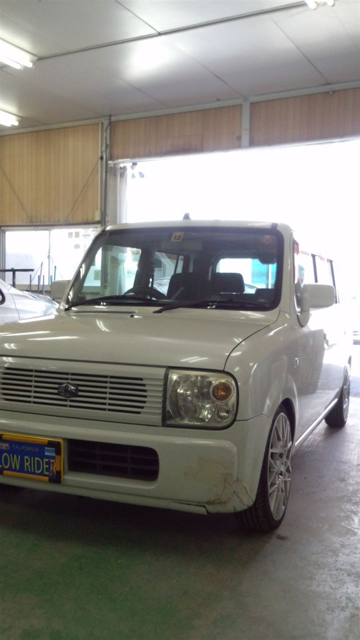 東京都立川市の車の板金塗装修理工場 ガレージローライドのスズキ ラパン のエアロパーツ 塗装 取り付け です。