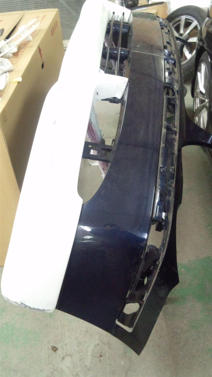 東京都立川市の車の板金塗装修理工場 ガレージローライドのBMW745iの前後バンパー、左側面のキズ へこみ の板金 修理 塗装 です。