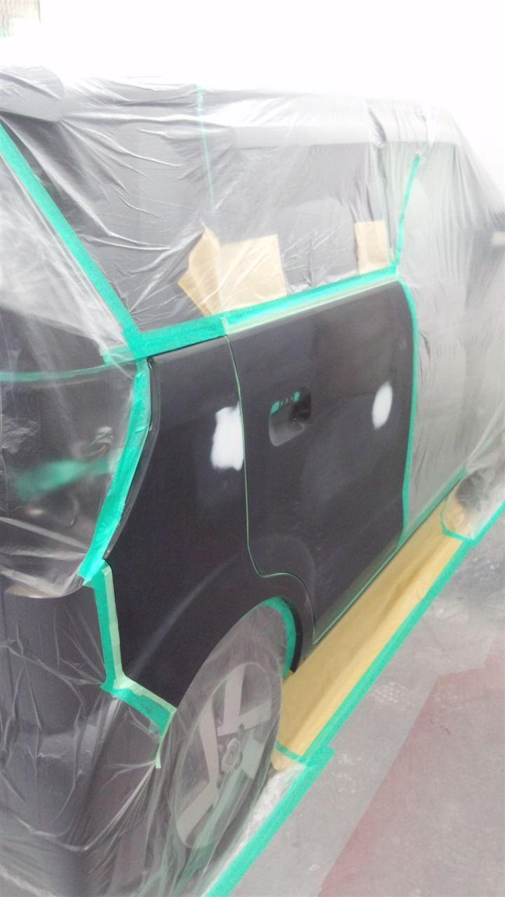 東京都立川市の車の板金塗装修理工場 ガレージローライドのホンダ ゼストの両側面のいたずらキズ へこみ の板金 修理 塗装 です。