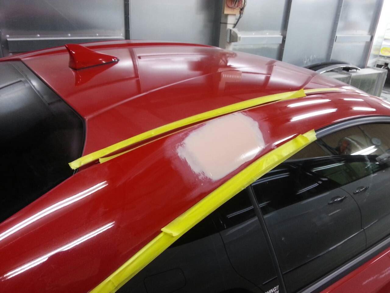 東京都立川市の車の板金塗装修理工場 ガレージローライドのスバル BRZの右側面のキズ へこみ の板金 修理 塗装等 です。