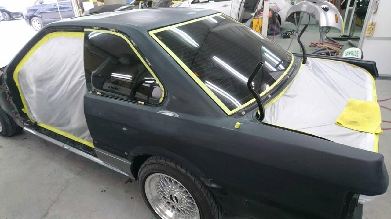 立川市の車の板金塗装修理工場 ガレージローライドの日産 レパードのオールペイント オールペン 全塗装 です。