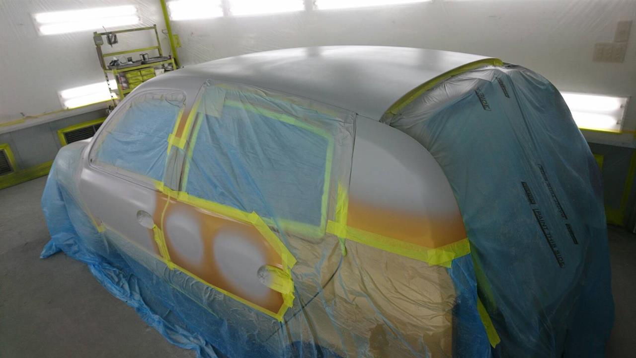 立川市の車の板金塗装修理工場 ガレージローライドのルノー ルーテシアの塗装劣化修理です。