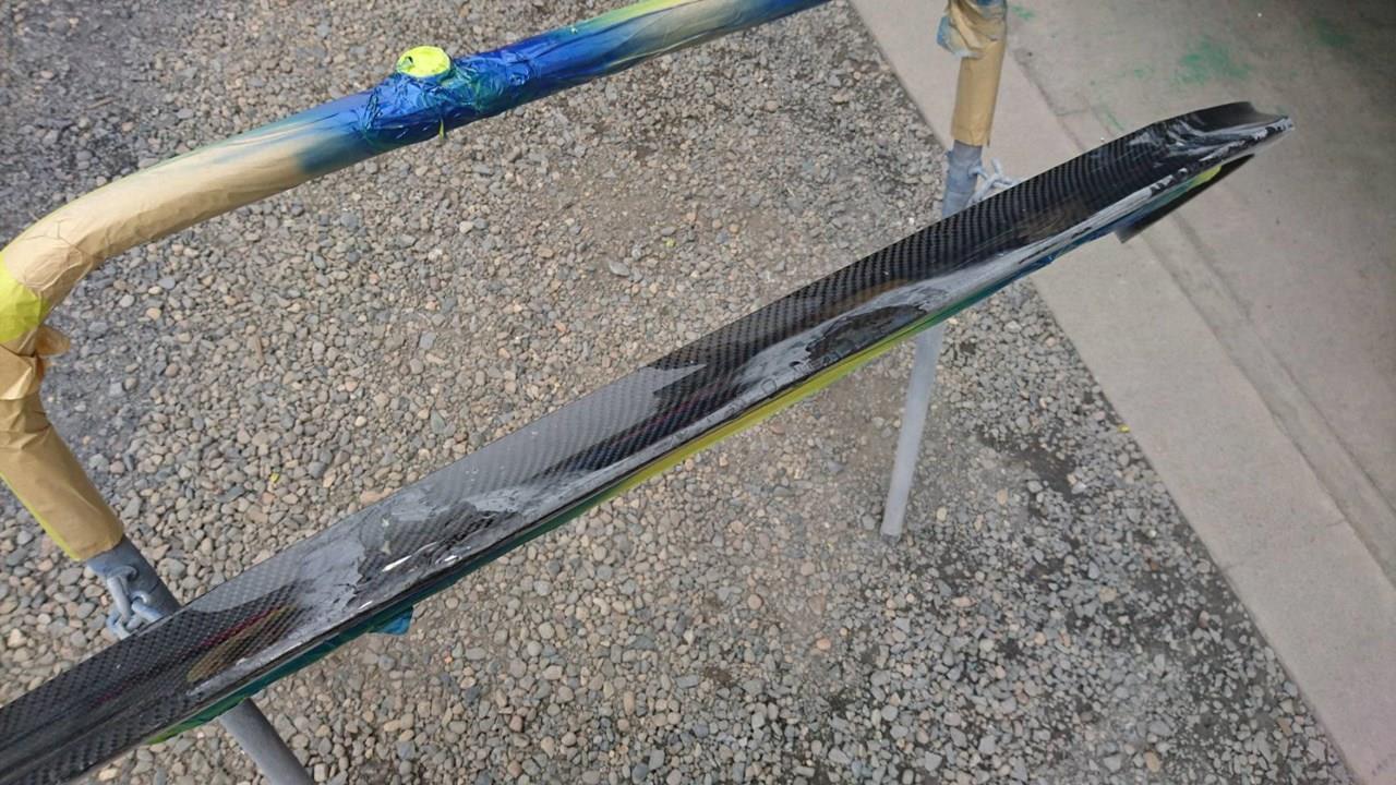 立川市の車の板金塗装修理工場 ガレージローライドのホンダ NSXのエアロパーツ修理 塗装 です。