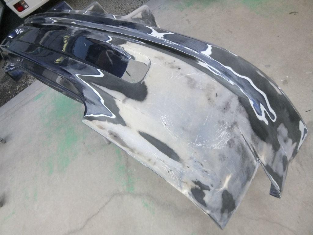 東京都立川市の車の板金塗装修理工場 ガレージローライドのトヨタ セリカのリヤバンパー塗装 取付 です。