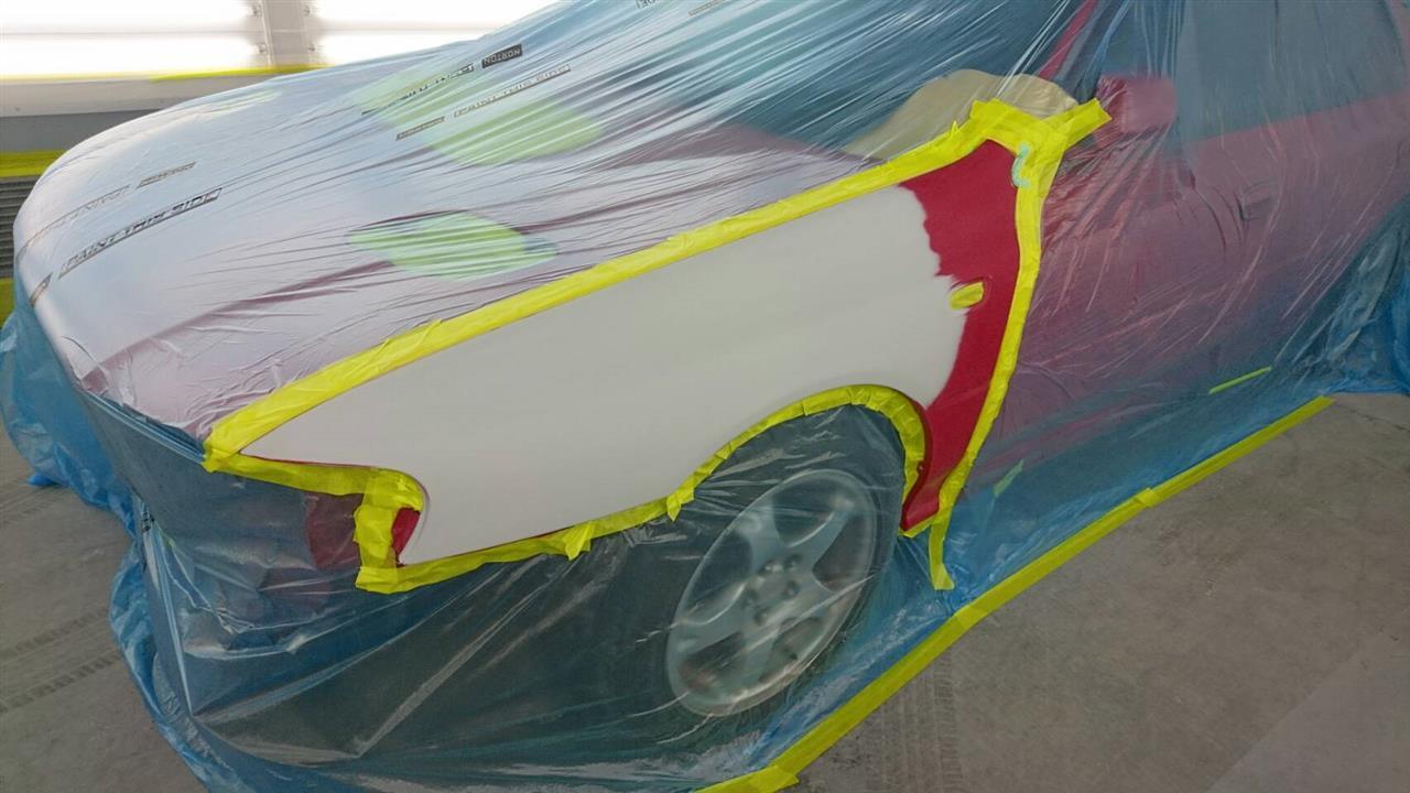 立川市の車の板金塗装修理工場 ガレージローライドのスバル インプレッサの左前部追突事故のキズ へこみ の板金 修理 塗装(対物保険)です。