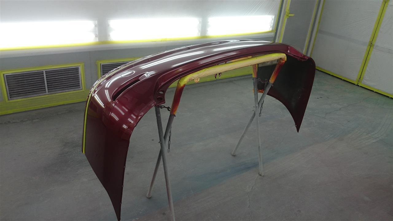 東京都立川市の車の板金塗装修理工場 ガレージローライドのトヨタ エスティマ両側面のキズ へこみ の板金 修理 塗装 です。