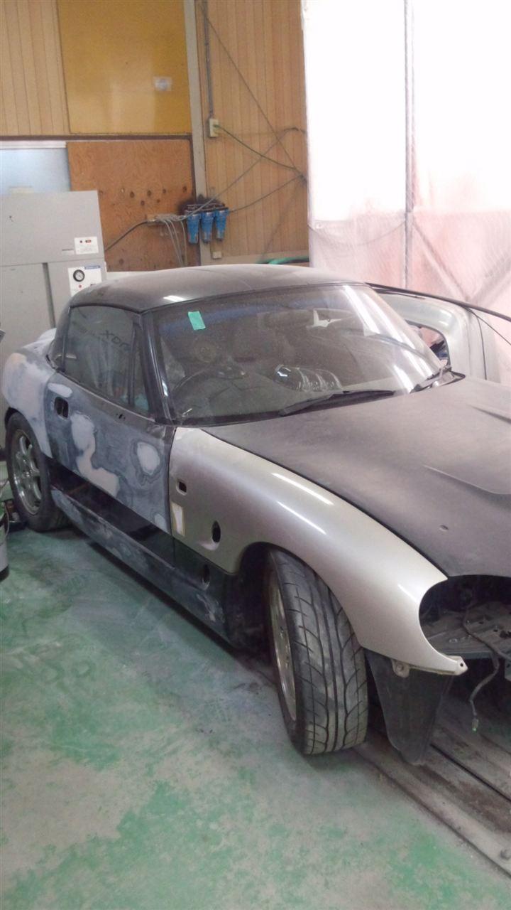 東京都立川市の車の板金塗装修理工場 ガレージローライドのスズキ カプチーノの右側面のキズ へこみ の板金 修理 塗装 です。