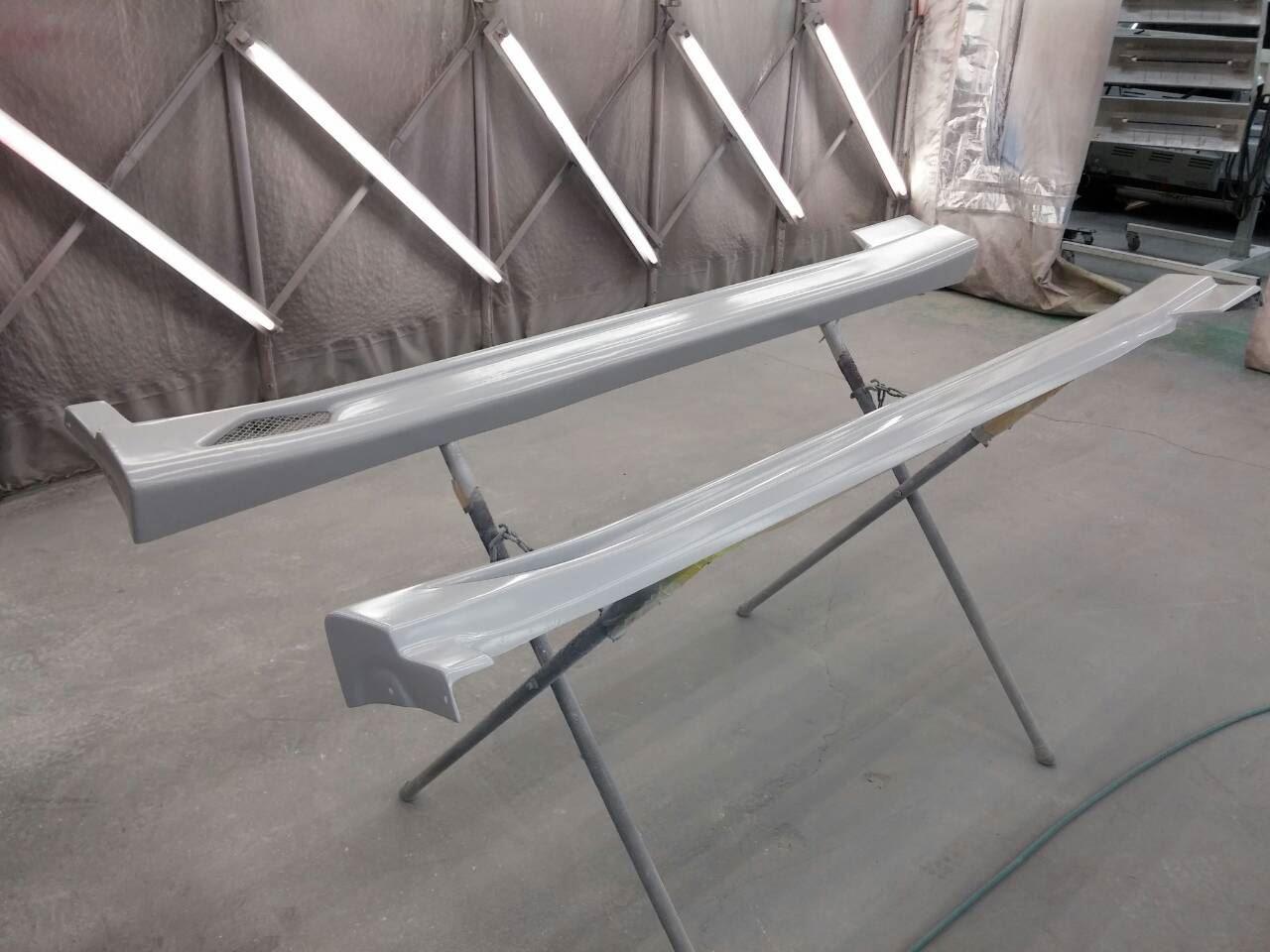東京都立川市の車の板金塗装修理工場 ガレージローライドのトヨタ アルテッツァのエアロパーツ 塗装 取付 です。