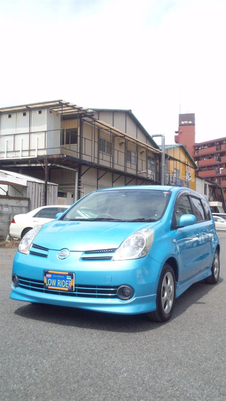 東京都立川市の車の板金塗装修理工場 ガレージローライドの日産 ノートのオールペイント オールペン 全塗装 です。
