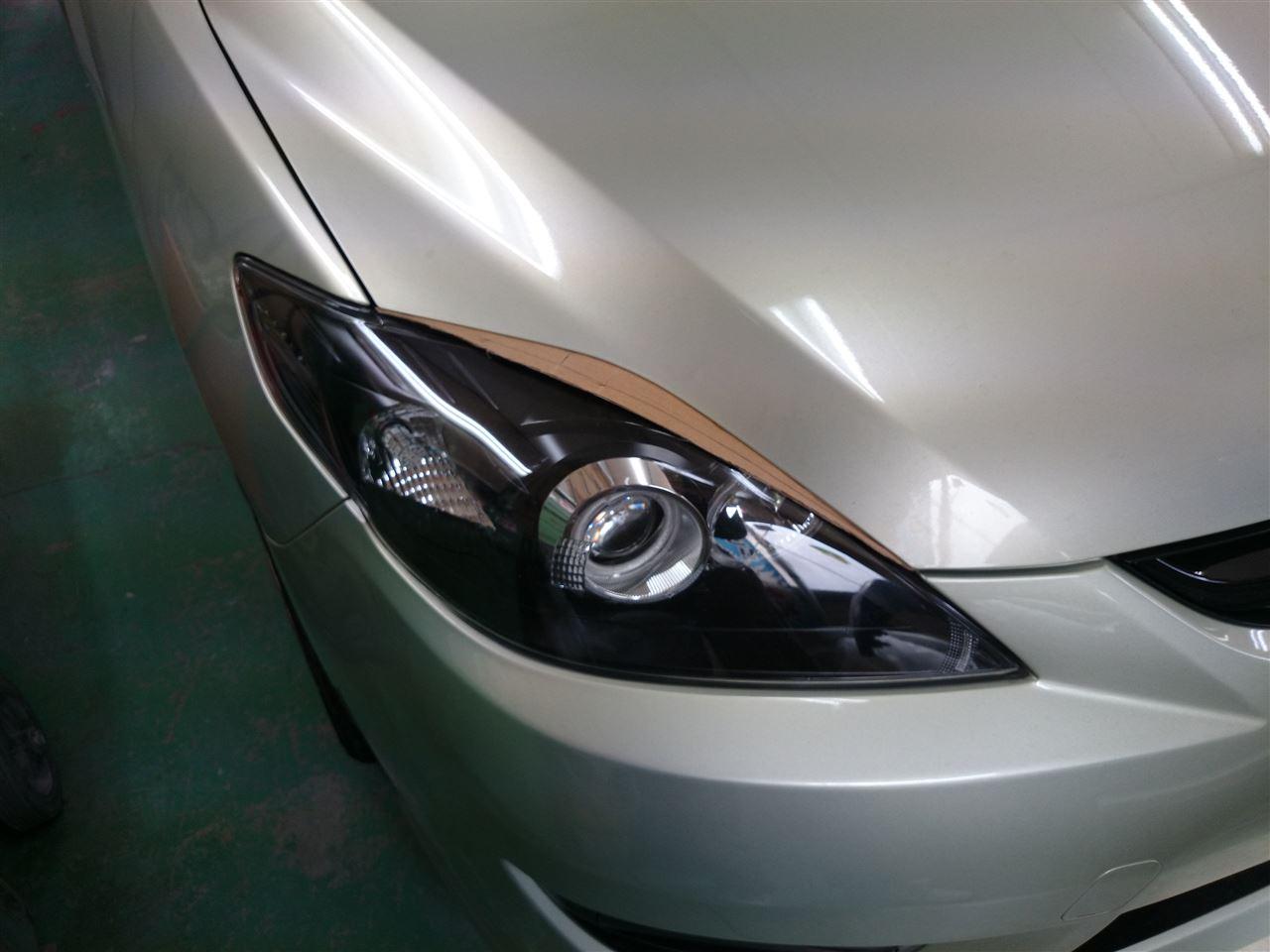 東京都立川市の車の板金塗装修理工場 ガレージローライドのマツダ プレマシーのボンネットカスタム です。