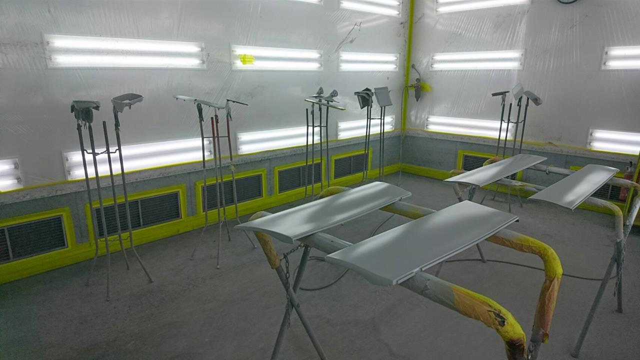 立川市の車の板金塗装修理工場 ガレージローライドのトヨタ アリストのオールペイント オールペン 全塗装 です。