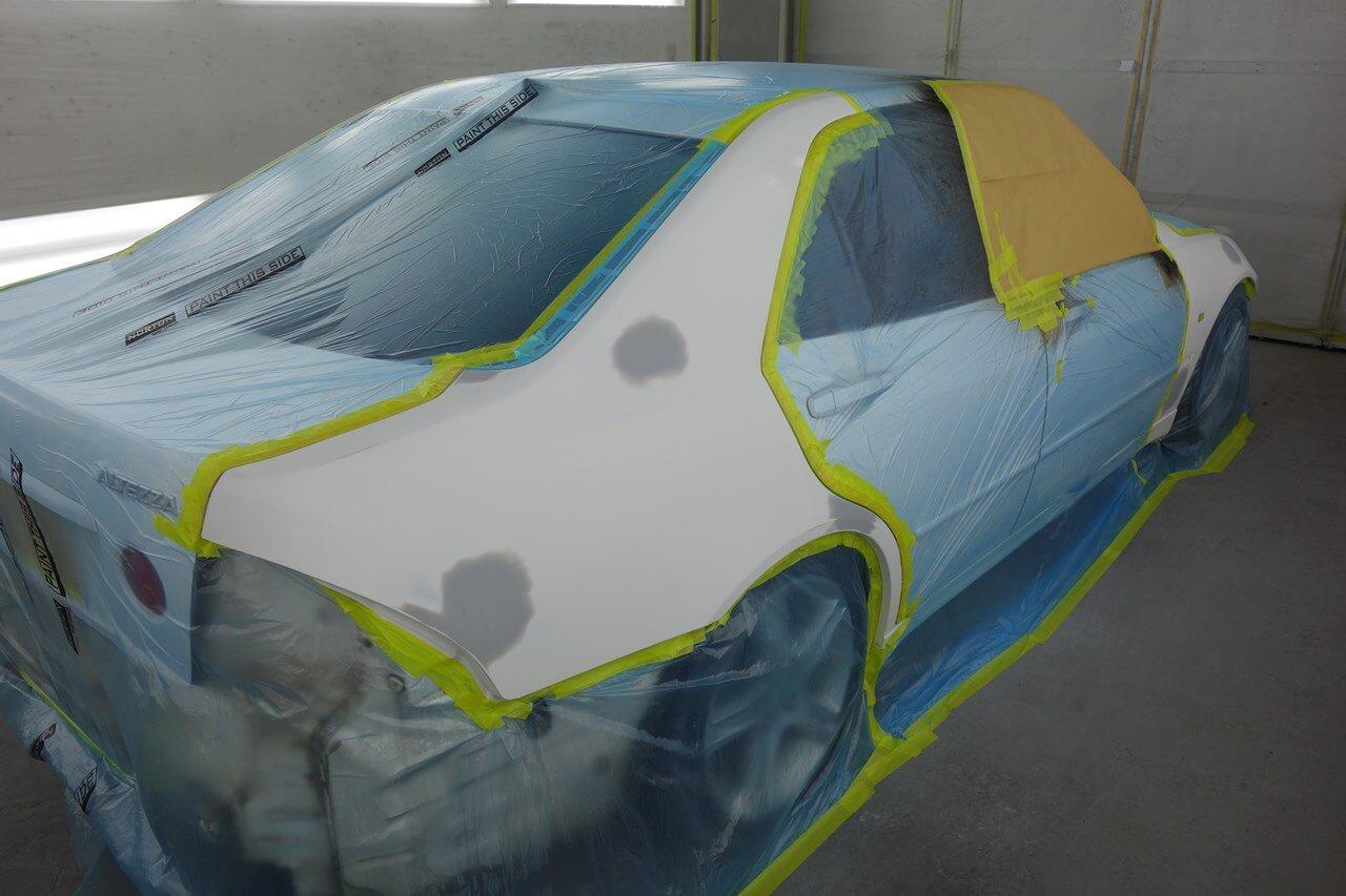 立川市の車の板金塗装修理工場 ガレージローライドのトヨタ アルテッツァのキズ へこみ の板金 修理 塗装 です。