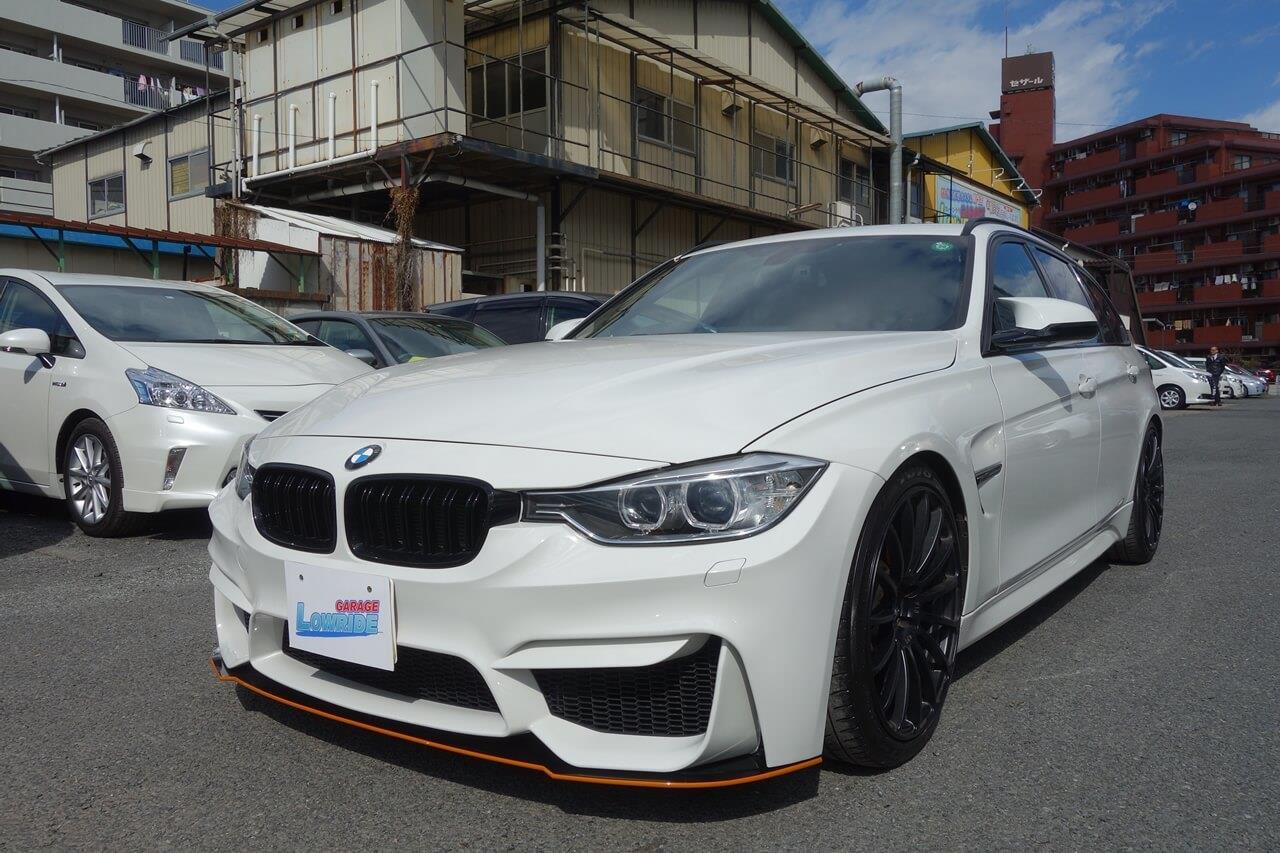 立川市の車の板金塗装修理工場 ガレージローライドのBMW 320dのエアロパーツ他店塗装・取り付け不良 修理です。