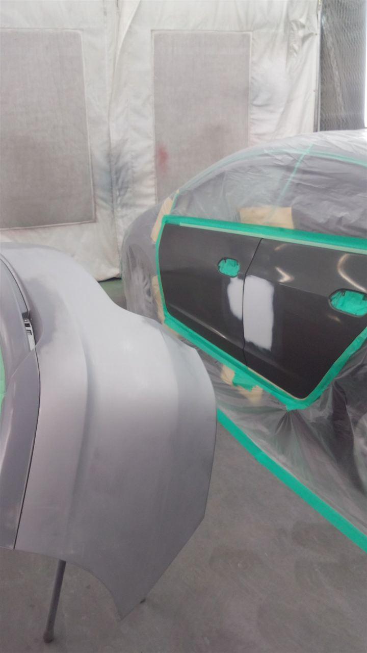 東京都立川市の車の板金塗装修理工場 ガレージローライドのホンダ インサイトの左側面、リヤまわりのキズ へこみ の板金 修理 塗装 です。