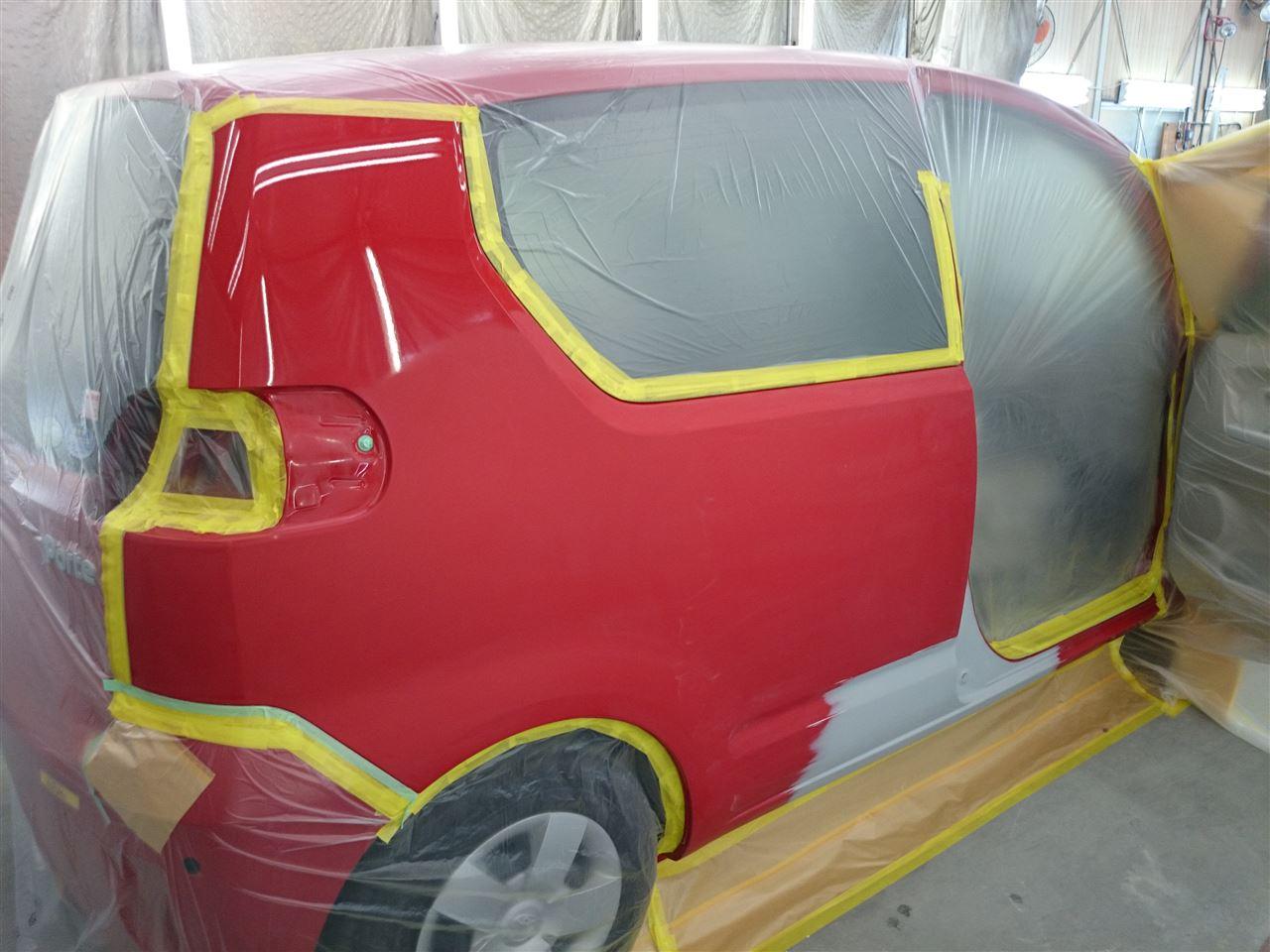 東京都立川市の車の板金塗装修理工場 ガレージローライドのトヨタ ポルテの右側面のキズ へこみ の板金 修理 塗装 です。