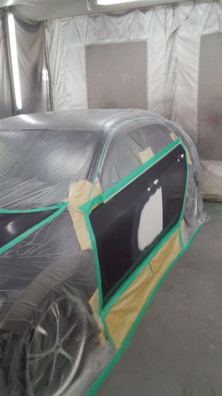 東京都立川市の車の板金塗装修理工場 ガレージローライドのホンダ アコードの左側面、ボンネットのキズ へこみ の板金 修理 塗装 です。