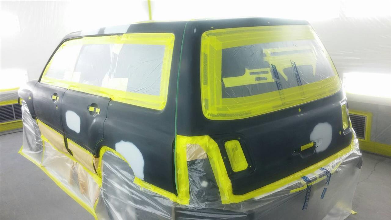 立川市の車の板金塗装修理工場 ガレージローライドのスバル フォレスターのオールペイント オールペン 全塗装 です。