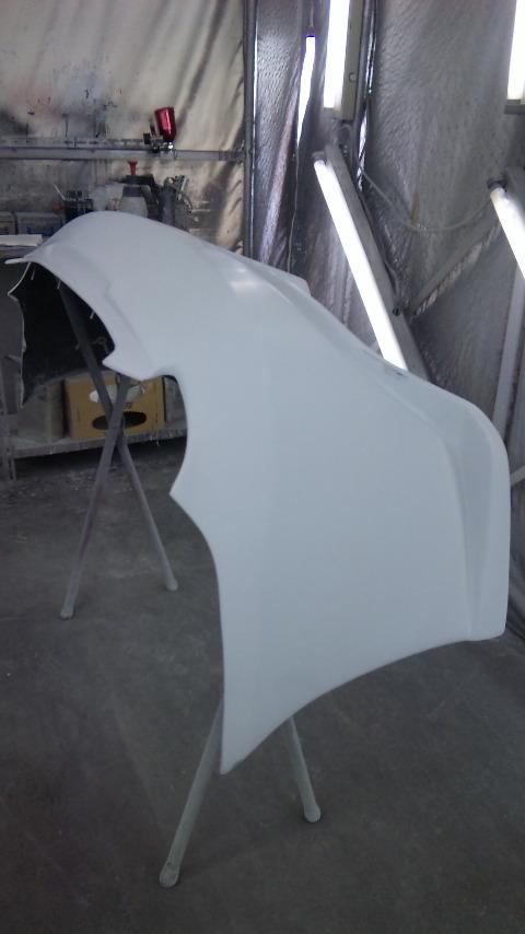 東京都立川市の車の板金塗装修理工場 ガレージローライドのトヨタ セリカのFRP製リヤバンパーのキズ へこみ 割れの板金 修理 塗装 です。