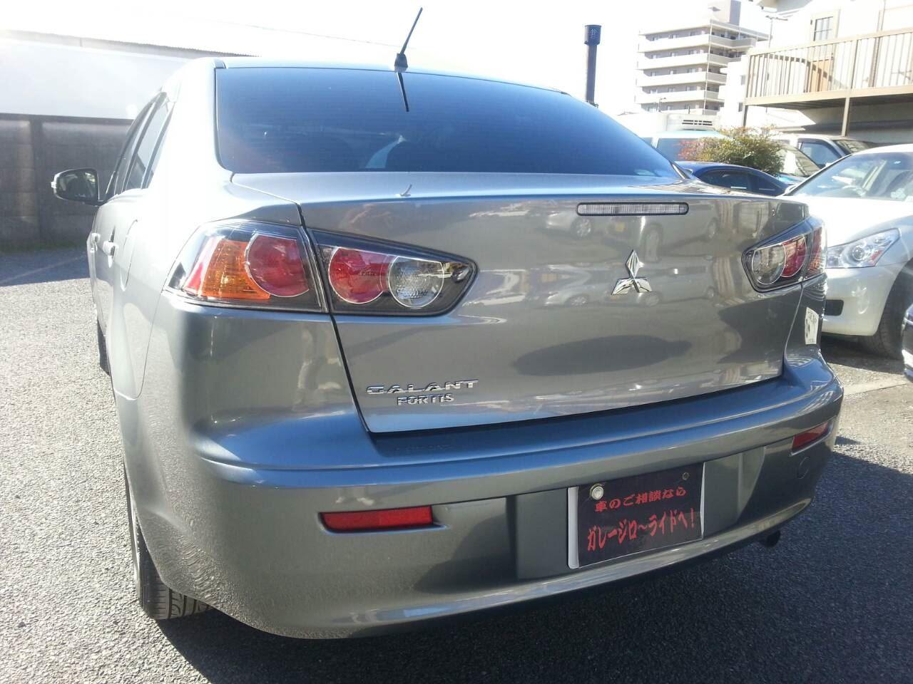 東京都立川市の車の板金塗装修理工場 ガレージローライドの三菱 ギャラン の新車のガラスコーティングです。