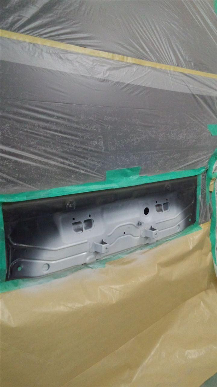 東京都立川市の車の板金塗装修理工場 ガレージローライドのスズキ ワゴンR プラスのリヤまわりのキズ へこみ の板金 修理 塗装 です。