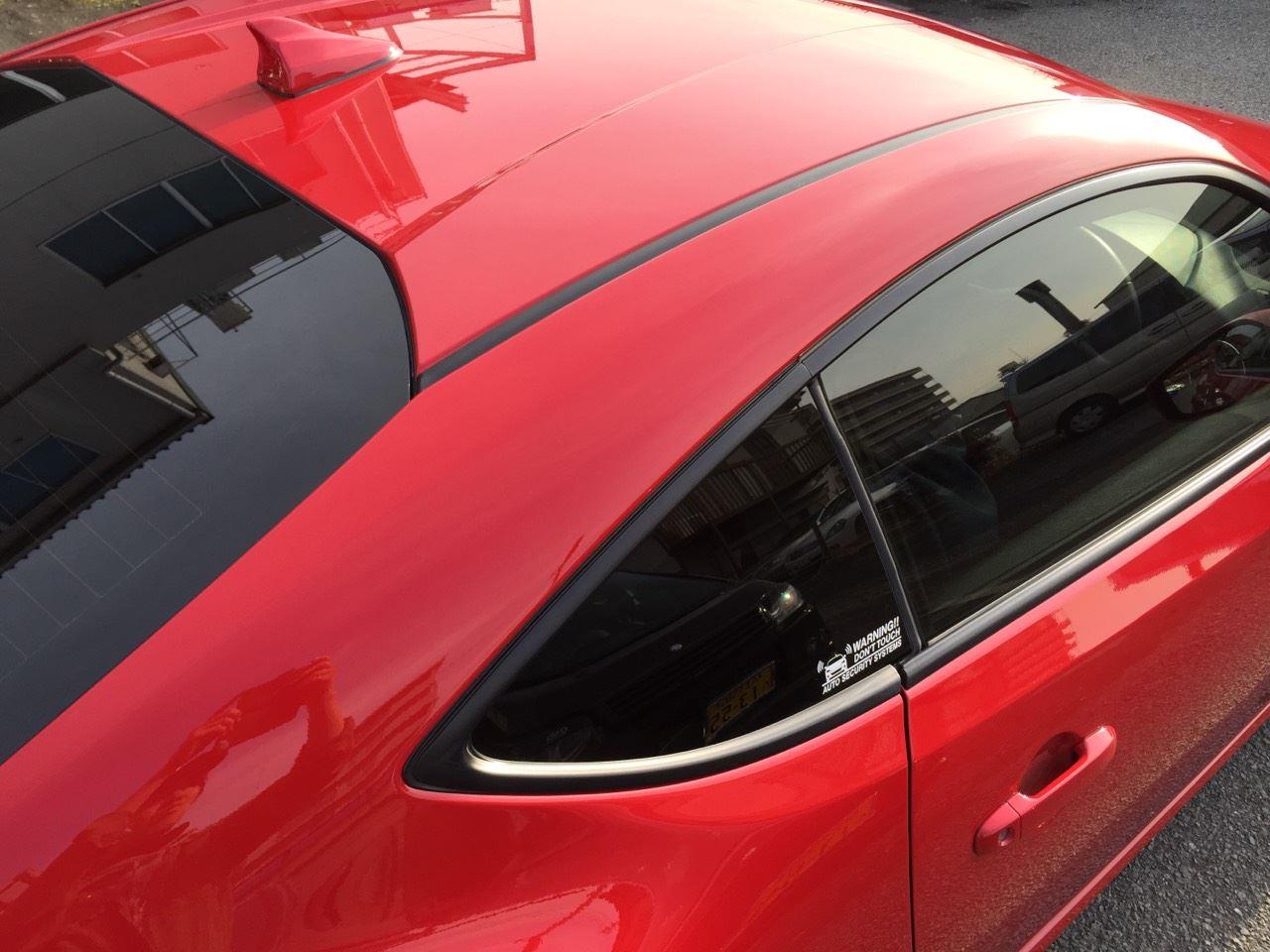 東京都立川市の車の板金塗装修理工場 ガレージローライドのスバル BRZの右側面等のキズ へこみ の板金 修理 塗装 です。