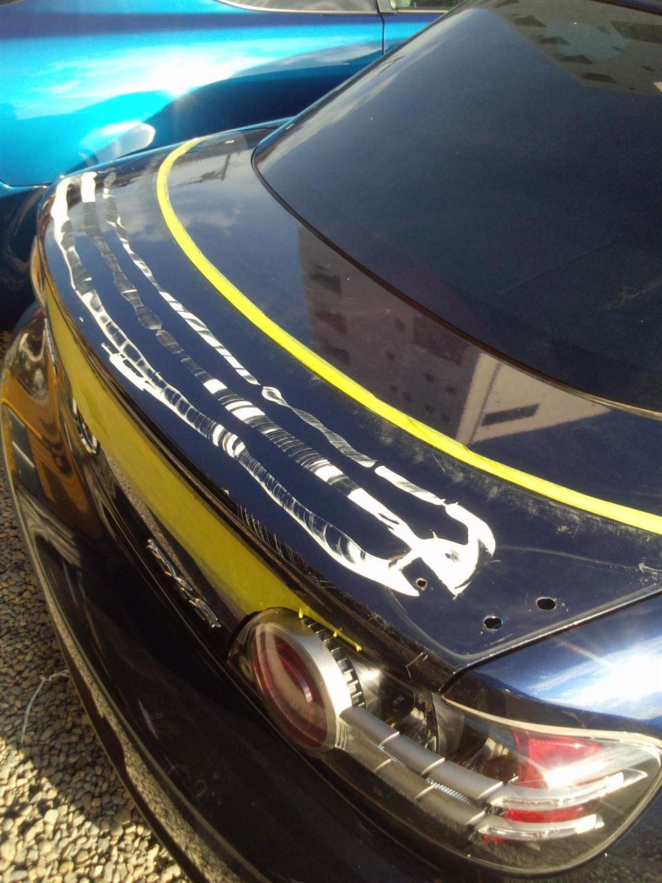 東京都立川市の車の板金塗装修理工場 ガレージローライドのマツダ RX-8の右側面のキズ へこみ の板金 修理 塗装 です。