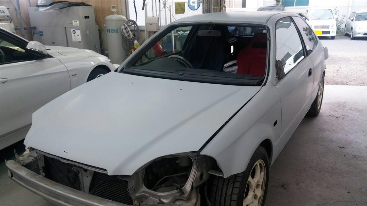 立川市の車の板金塗装修理工場 ガレージローライドのホンダ シビックの塗装劣化修理です。
