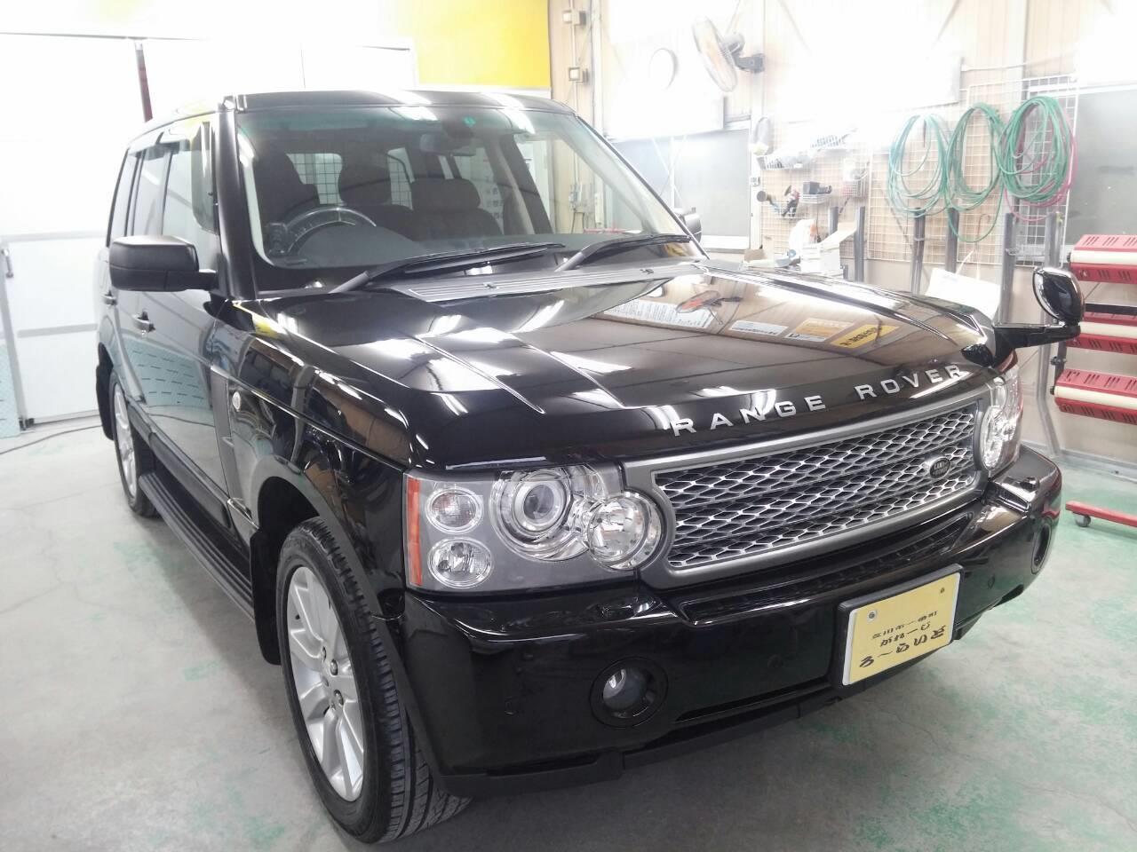 東京都立川市の車の板金塗装修理工場 ガレージローライドのランドローバー レンジローバー ヴォーグのボディー磨き&ジーゾックスリアルガラスコート艶プラス等施工です。