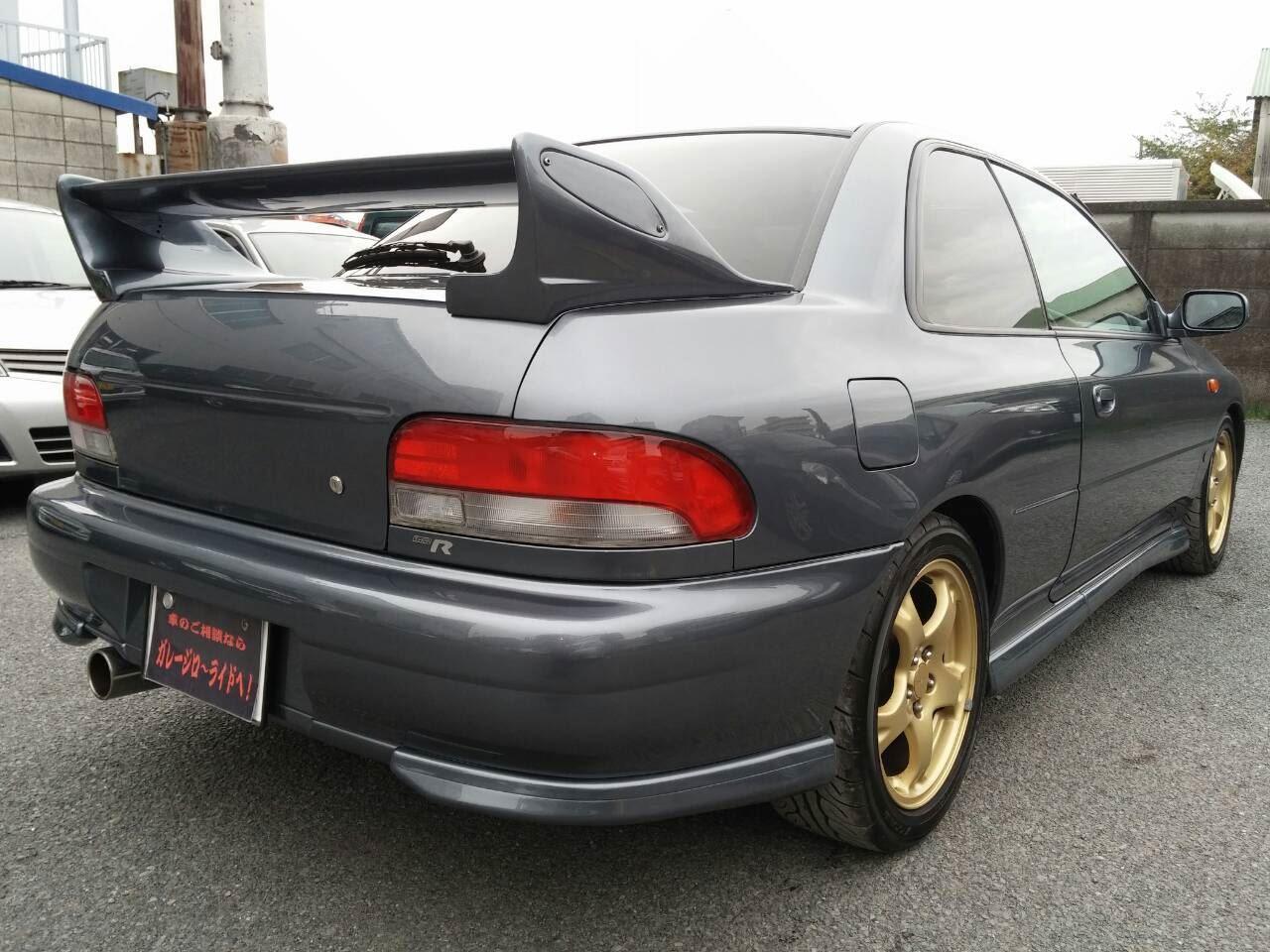 東京都立川市の車の板金塗装修理工場 ガレージローライドのスバル インプレッサのオールペイント オールペン 全塗装 です。