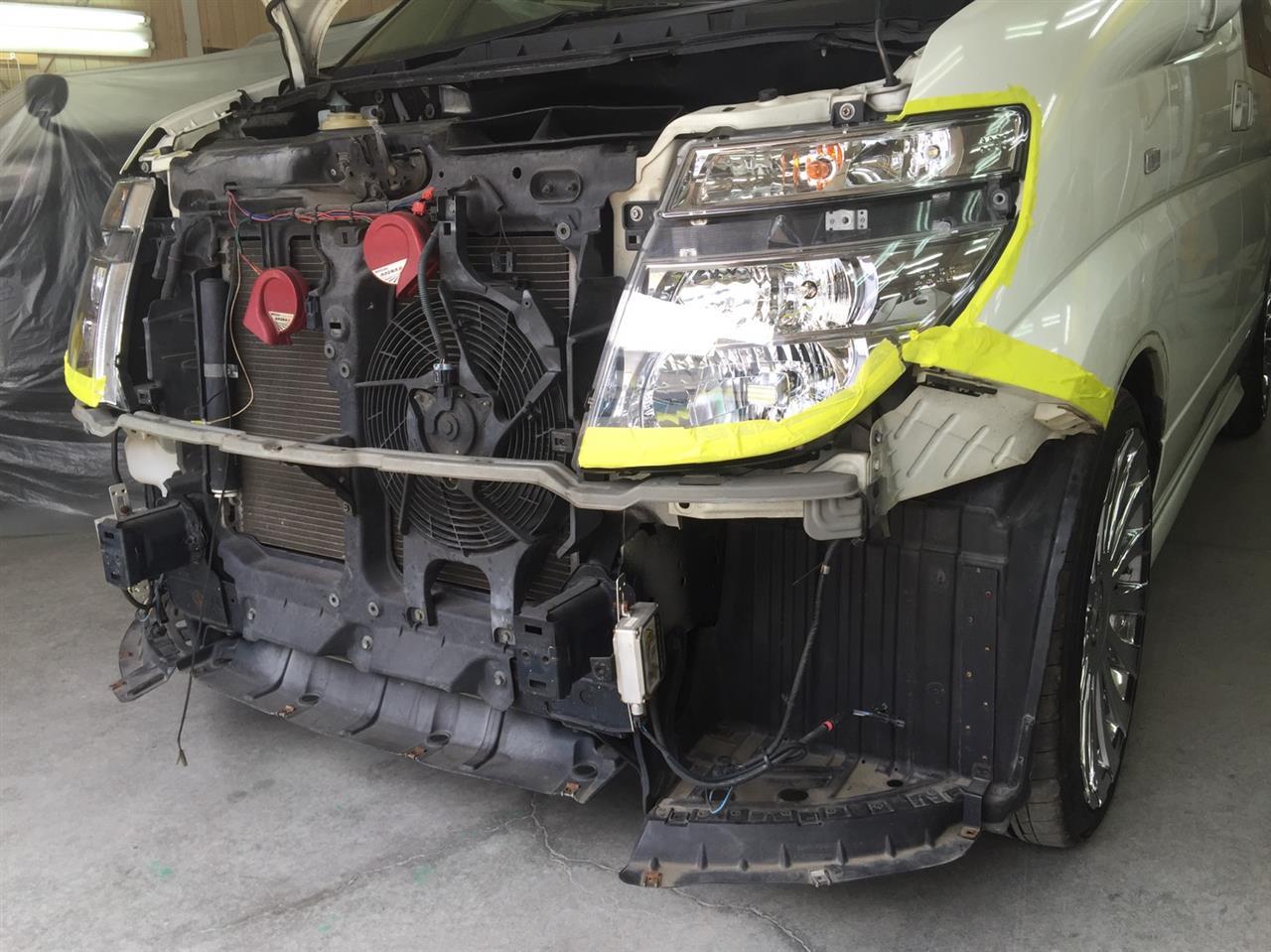 立川市の車の板金塗装修理工場 ガレージローライドの日産 エルグランドのエアロパーツ塗装・取り付け等です。