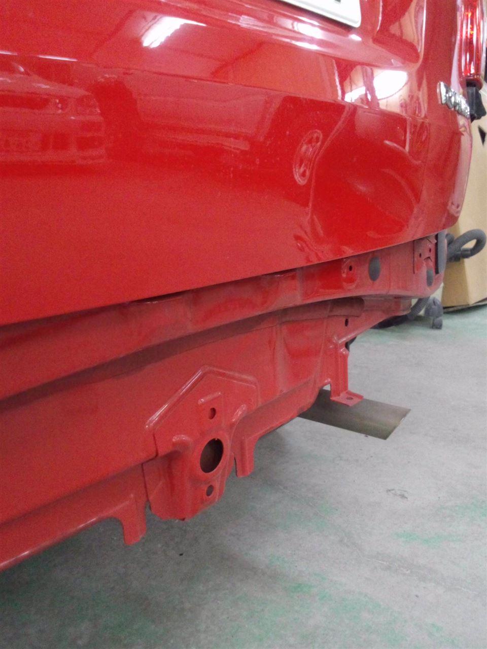 東京都立川市の車の板金塗装修理工場 ガレージローライドのトヨタ ラウムのリヤ回り、 前まわりのキズ へこみ の板金 修理 塗装 です。