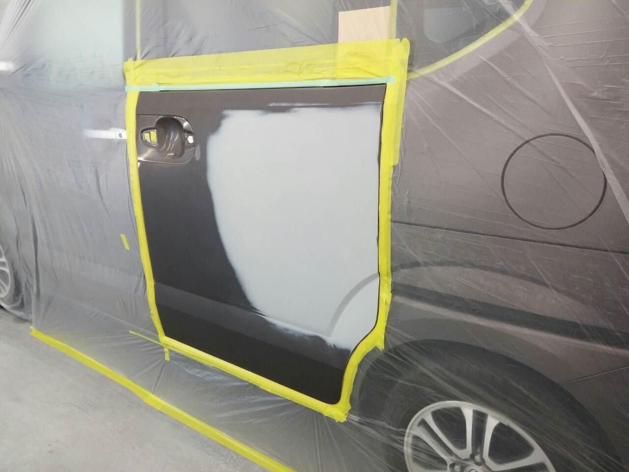 東京都立川市の車の板金塗装修理工場 ガレージローライドのホンダ N-BOXの左側面のキズ へこみ の板金 修理 塗装 です。