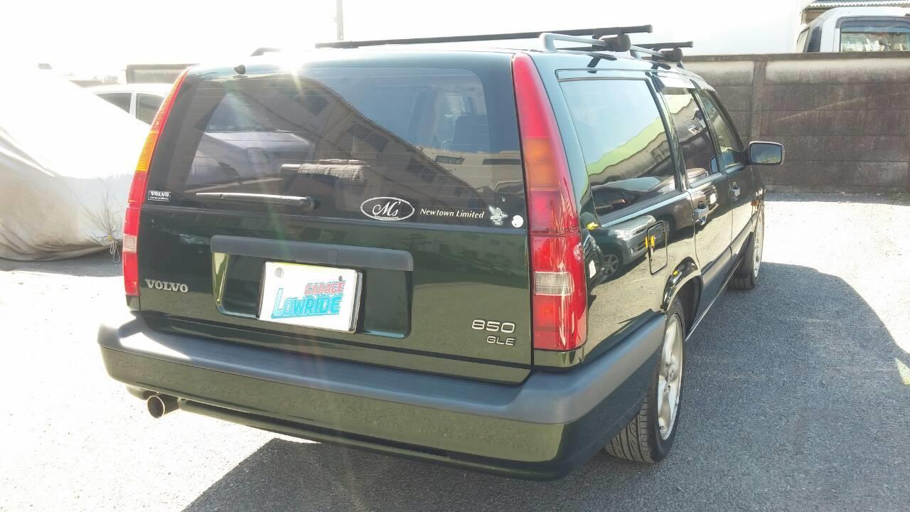 立川市の車の板金塗装修理工場 ガレージローライドのボルボ850GLEのいたずらキズ修理 塗装 です。