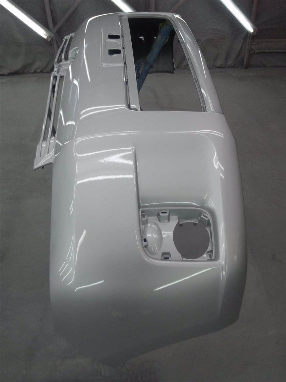 東京都立川市の車の板金塗装修理工場 ガレージローライドのトヨタ カローラ ルミオンの前まわり 左側面のキズ へこみ の板金 修理 塗装 です。