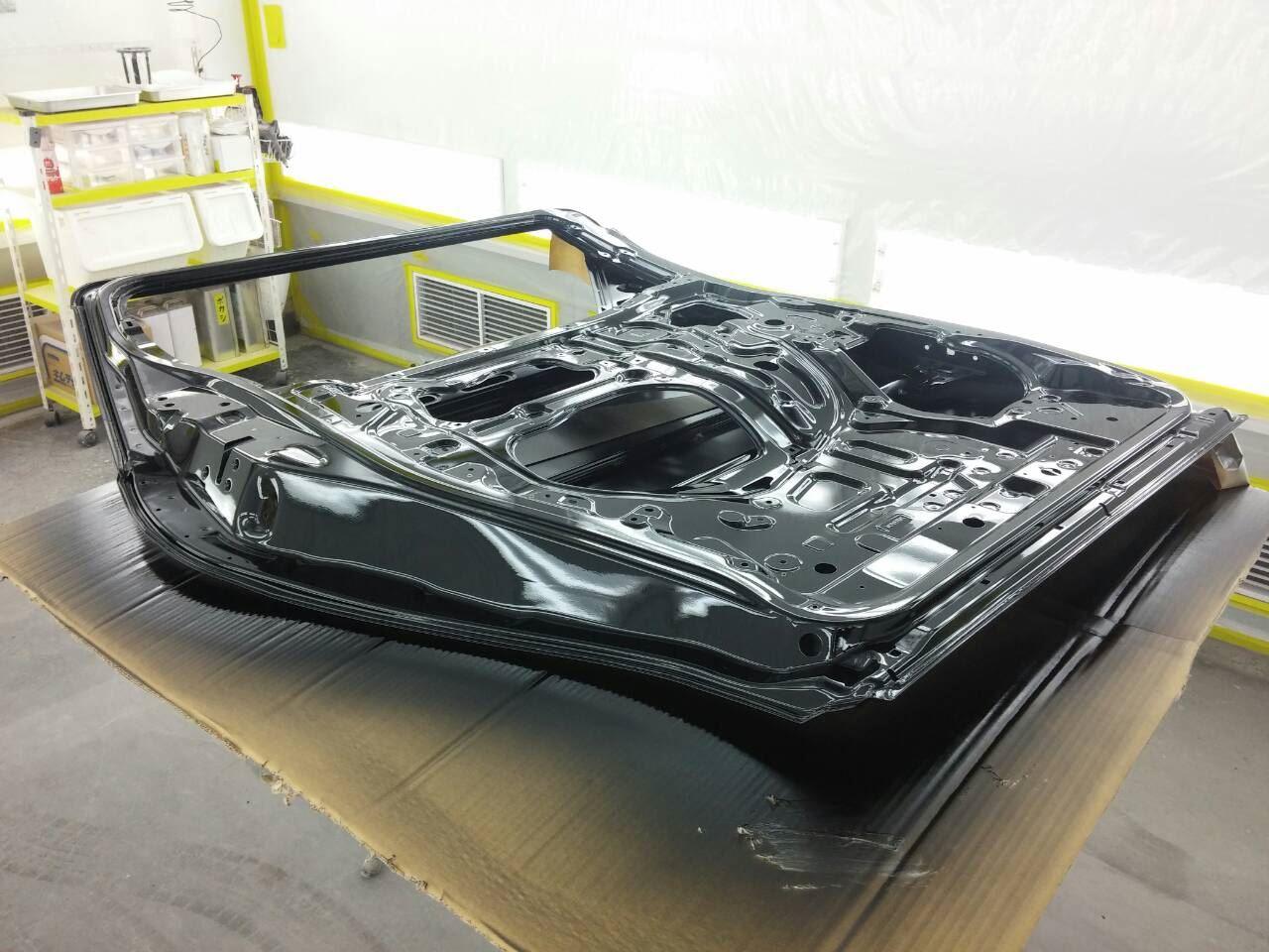 東京都立川市の車の板金塗装修理工場 ガレージローライドのトヨタ アルファードの左側面のキズ へこみ の板金 修理 塗装 です。