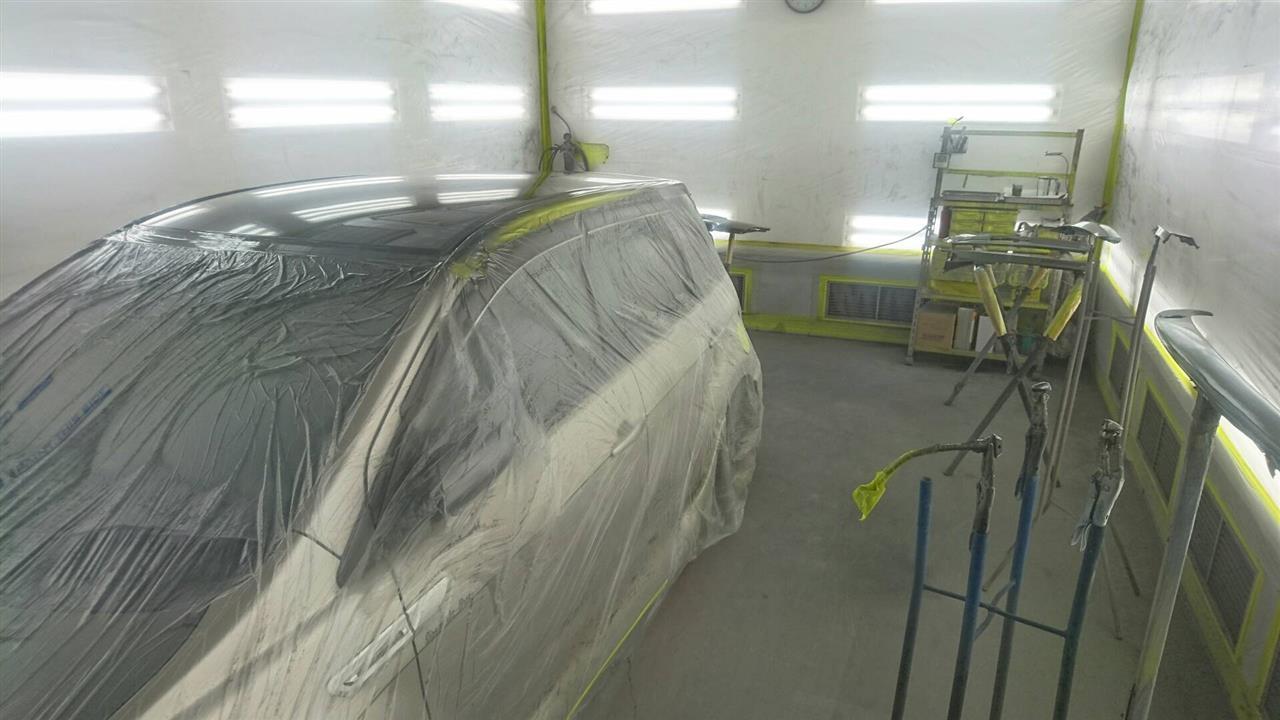 立川市の車の板金塗装修理工場 ガレージローライドのトヨタ イストのワンオフ加工 カスタム 板金 修理 塗装 です。