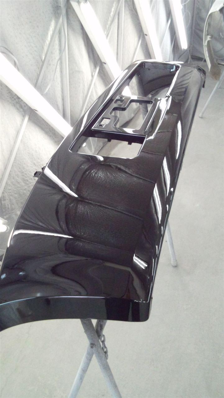 東京都立川市の車の板金塗装修理工場 ガレージローライドのスズキ ワゴンRの前まわりのキズ へこみ の板金 修理 塗装 です。