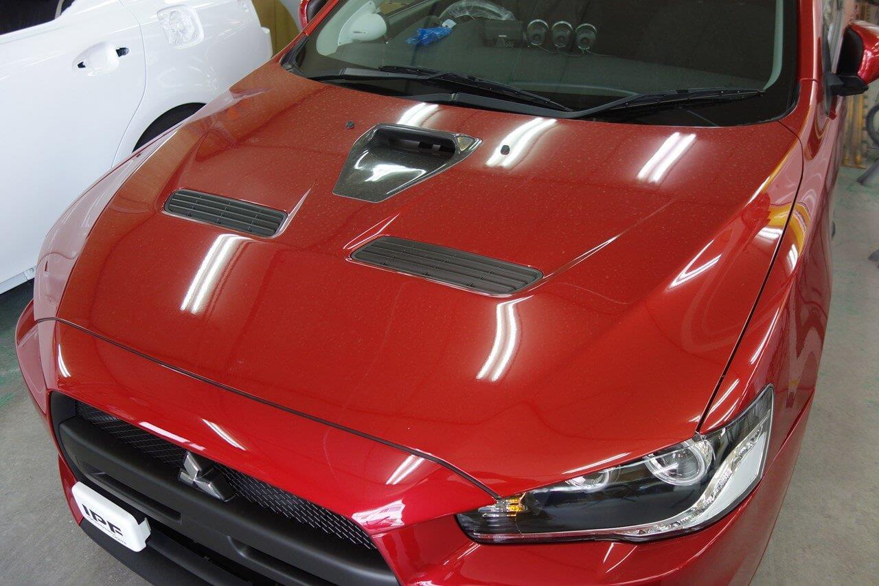 立川市の車の板金塗装修理工場 ガレージローライドの三菱 ギャラン フォルティス スポーツバックのエアロパーツ塗装・取り付けです。