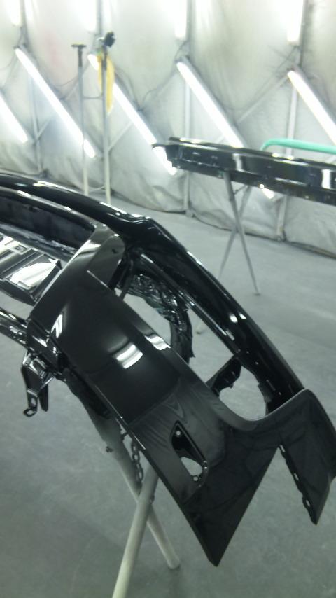東京都立川市の車の板金塗装修理工場 ガレージローライドのアウディTTSの飛び石キズの車両保険を使った板金 修理 塗装 です。