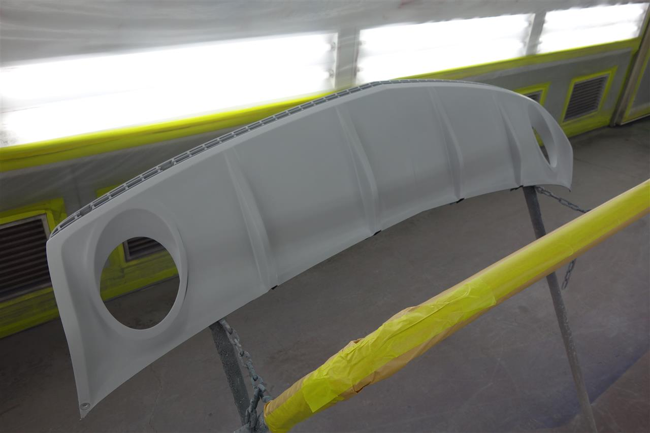 立川市の車の板金塗装修理工場 ガレージローライドのGM シボレー カマロのエアロパーツ塗装 取り付け等です。