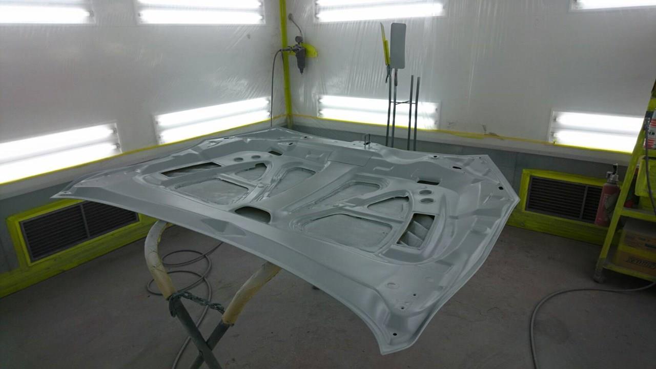 立川市の車の板金塗装修理工場 ガレージローライドのマツダ アクセラのエアロパーツ塗装 取り付けです。