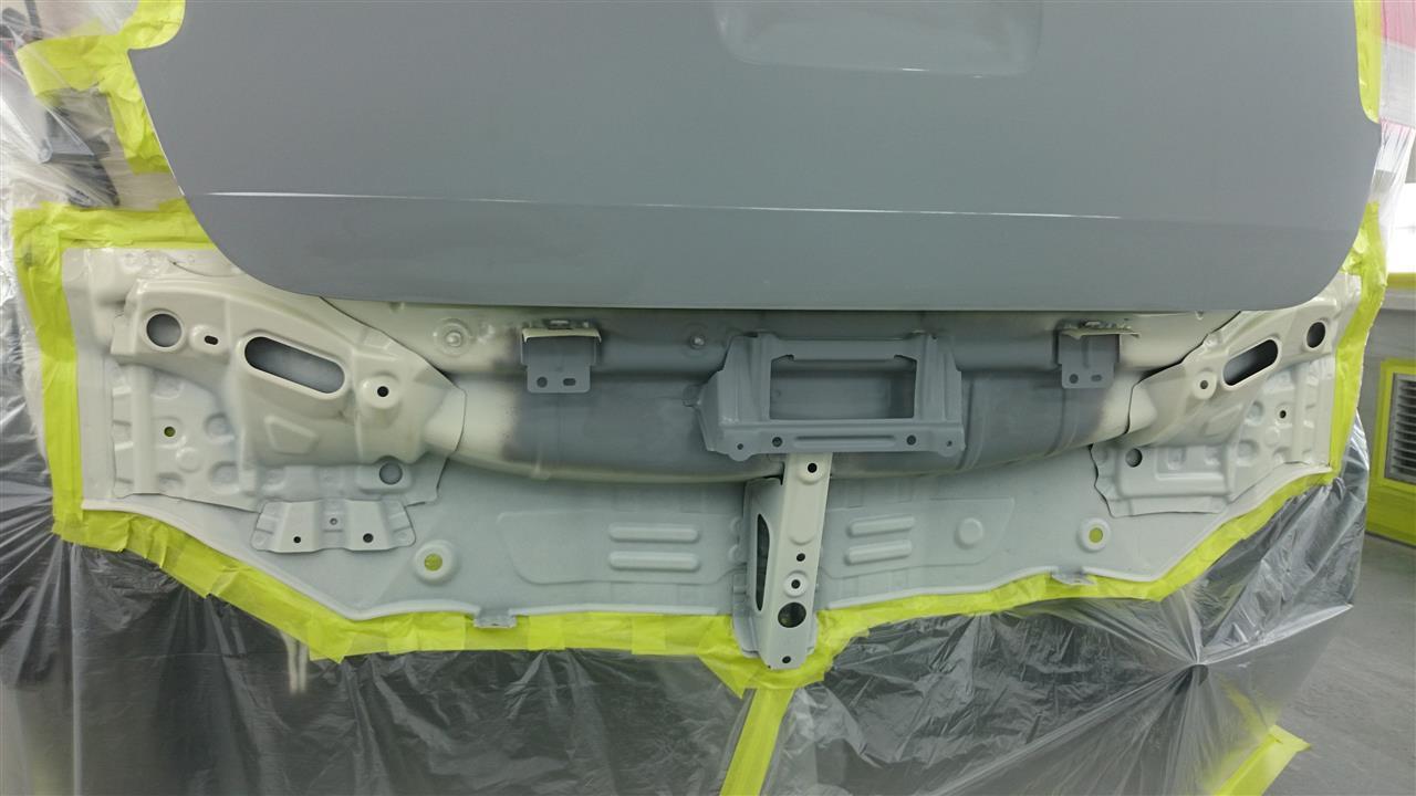 東京都立川市の車の板金塗装修理工場 ガレージローライドのトヨタ ポルテのリヤまわりのキズ へこみ の板金 修理 塗装 です。