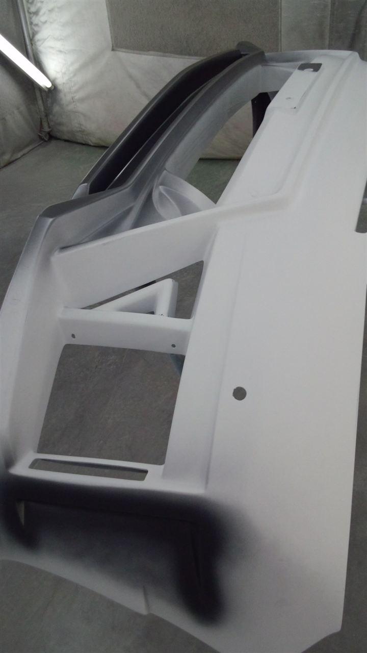 東京都立川市の車の板金塗装修理工場 ガレージローライドのトヨタ ヴェルファイアのエアロパーツの塗装 です。