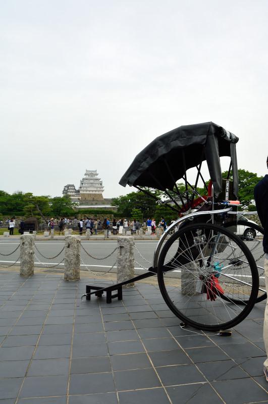 姫路城と人力車
