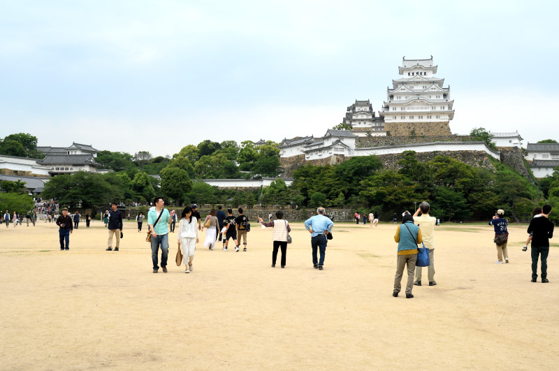 三の丸広場から望む姫路城