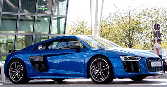 Audi R8 V10 plus | アウディR8