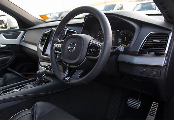 ボルボ Volvo XC90 D5 AWD R-Design 2016