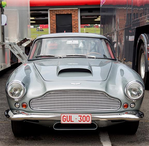 アストンマーチン Aston Martin DB4