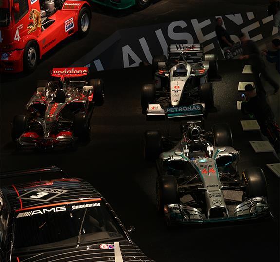 Mercedes-Benz Museum メルセデス・ベンツ博物館