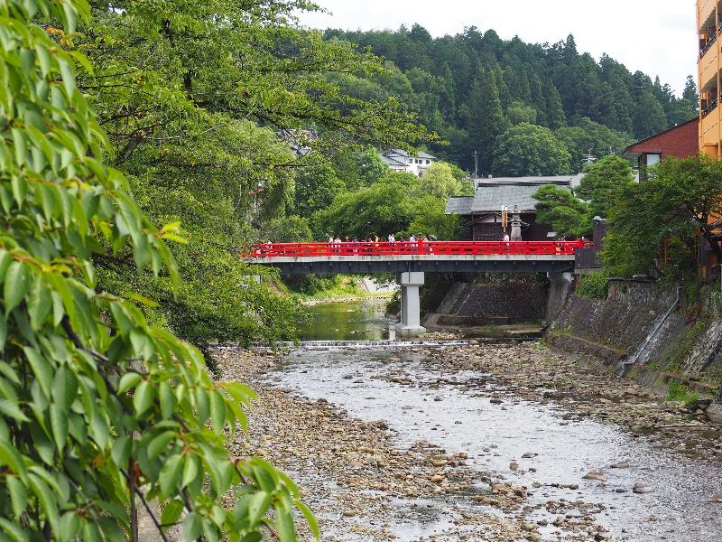 高山 古い町並み 筏橋から中橋